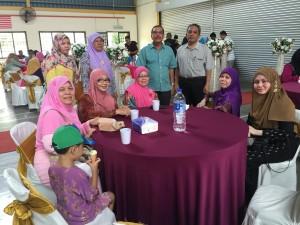 Dua anak beranak Dr Halizah & Dr Hamidah last kiri